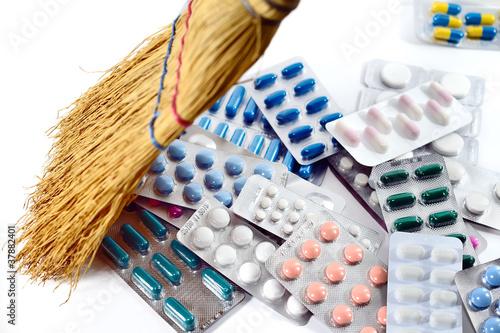 Fotografie, Obraz  médicaments,pilules,blister,crise,sécurité sociale
