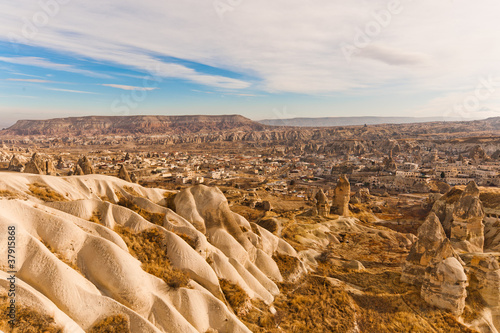Photo Ancient tuff stone caves valley in Goreme Cappadocia Turkey