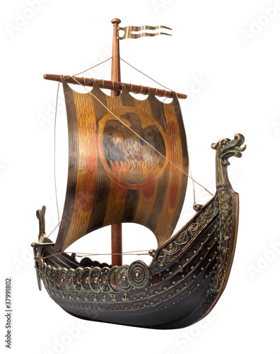 Foto op Plexiglas Schip Antique Viking Ship isolated on white