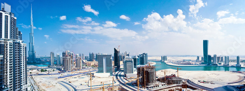Montage in der Fensternische Dubai Panoramic image of Dubai city