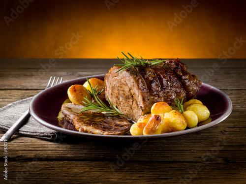 roast of veal with potatoes Fototapeta
