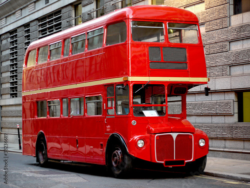 In de dag Londen rode bus London bus, traditional red