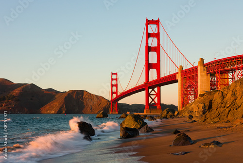Foto-Rollo - Golden Gate Bridge in San Francisco at sunset (von Andy)