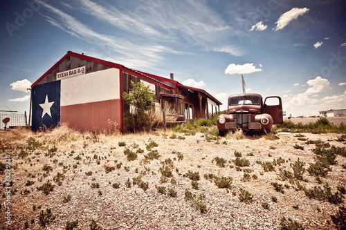 In de dag Texas Abandoned restaraunt on route 66 road in USA