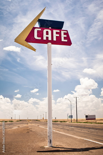 Papiers peints Route 66 Cafe sign along historic Route 66 in Texas.