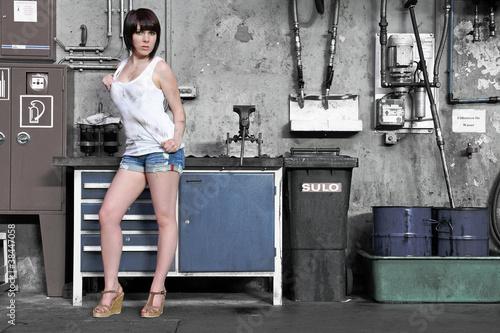 Fényképezés  Sexy in der Werkstatt