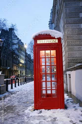 Papiers peints Rouge, noir, blanc London Telephone Booth
