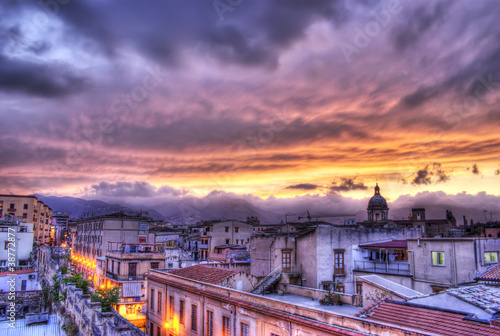 La pose en embrasure Palerme Palermo view at sunset in hdr.Sicily