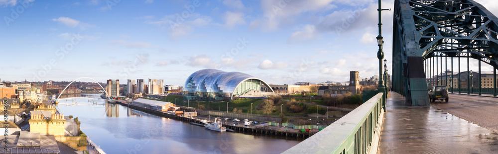 Fototapety, obrazy: Panoramic of Newcastle and Gateshead quayside