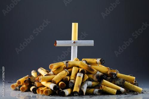 Plakaty o nałogach palenie-smierc