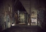Dark alley - 39036851