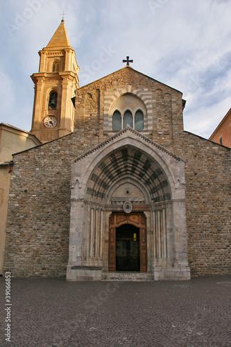 Obraz na plátně  Ventimiglia, Imperia, la cattedrale