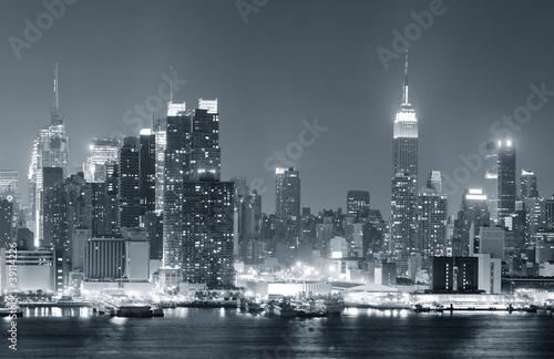 new-york-city-manhattan-czarno-bialy