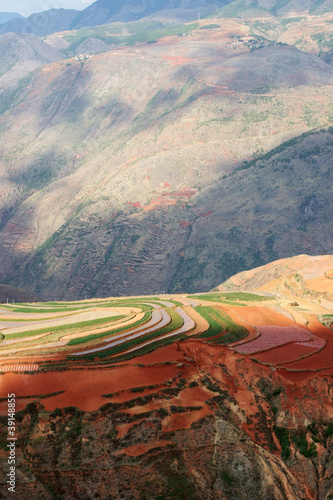 kolorowa-ziemia-uprawna-w-dongchuan-chiny