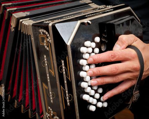 Fotografía Playing traditional bandoneon.