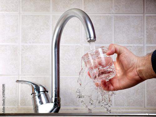 Fotografía  Drinkable water