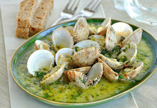 Clams & Cockles In White Wine Sauce