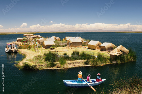 Photo Stands South America Country Titicaca lake, Peru, floating islands Uros