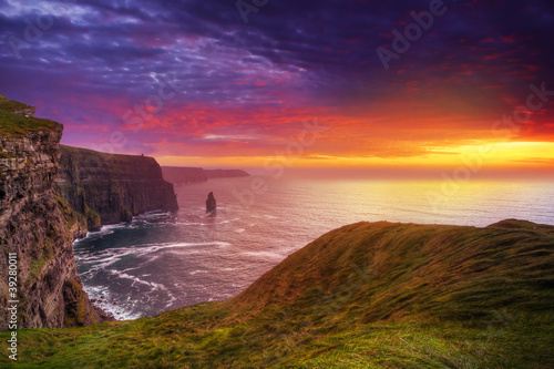Spoed Foto op Canvas Zalm Idyllic Cliffs of Moher at sunset, Co. Clare, Ireland
