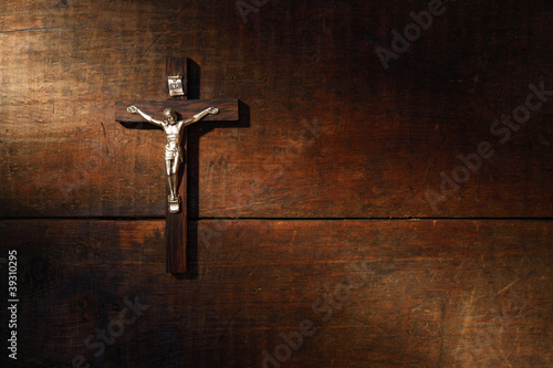 Crucifix On Wooded Wall Fototapet
