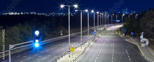 Papiers peints Autoroute nuit Empty highway
