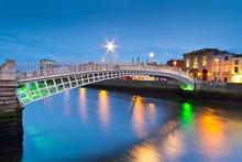 The Ha'penny Bridge In Dublin ...