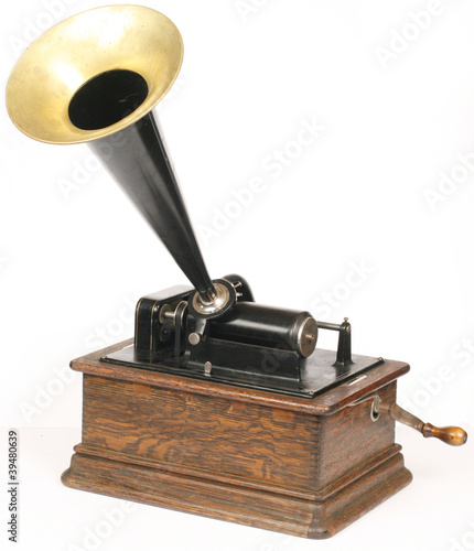 Photo Vintage phonograph isolated on white background
