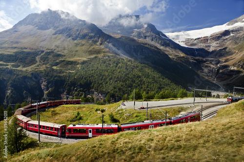 Fotobehang Spoorlijn Switzerland railway