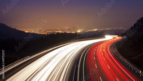Photo sur Toile Autoroute nuit Highway as it passes through Donostia
