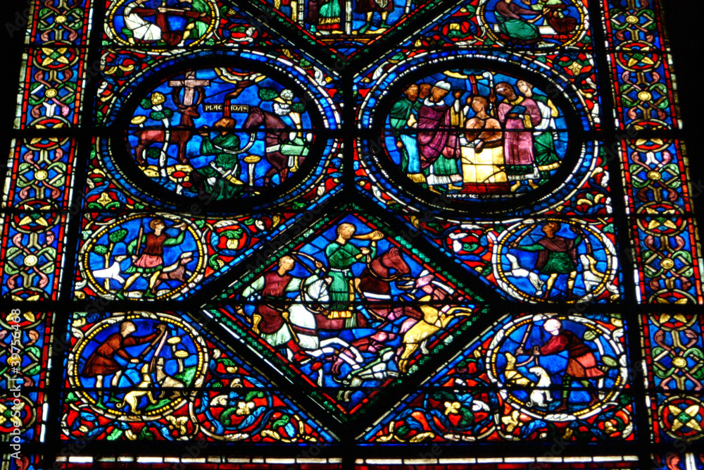 Fond de hotte en verre imprimé Vitraux de la cathédrale de Chartres. - Nikkel-Art.fr