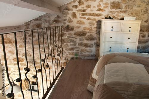 chambre mezzanine – kaufen Sie dieses Foto und finden Sie ...