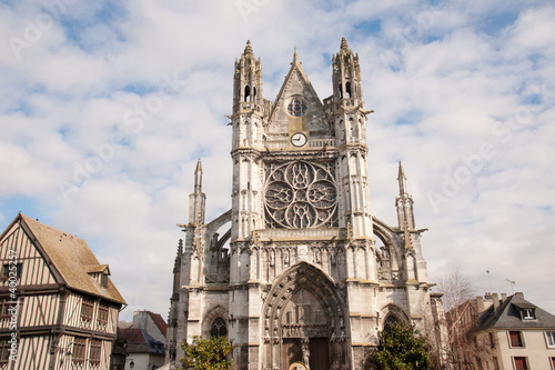 Fotografia, Obraz  Beautiful church on Vernon town square in Normandy