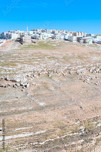 Fotobehang Midden Oosten town Kerak on stone hill, Jordan