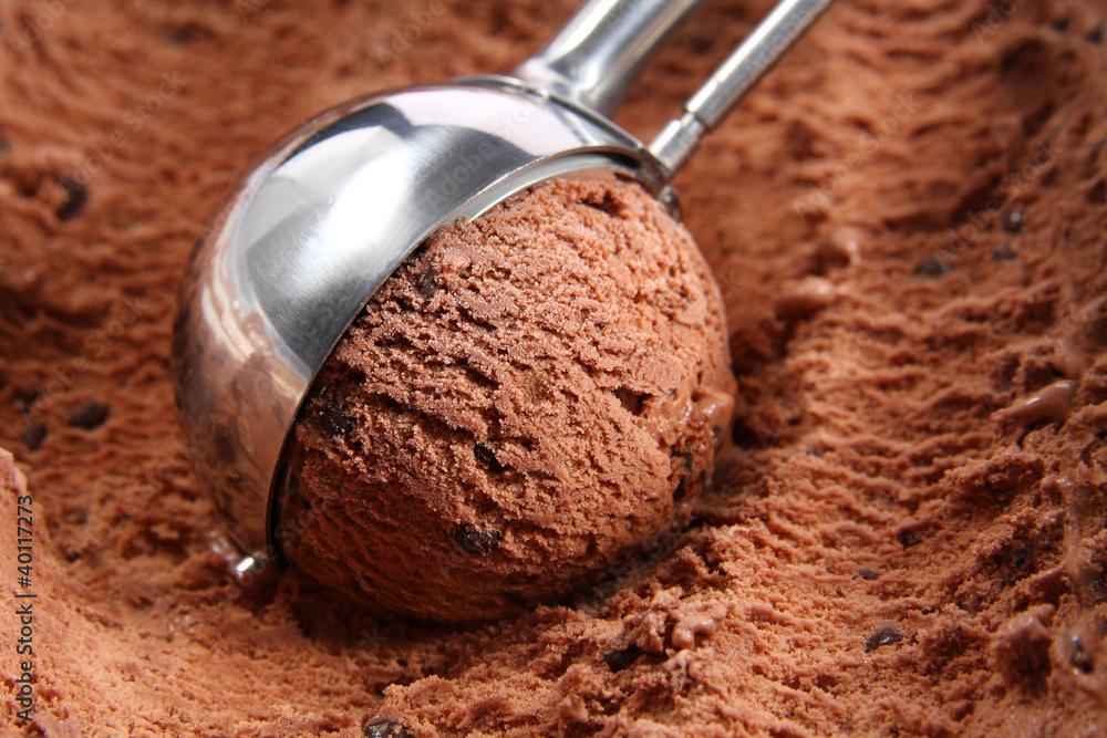 Fototapety, obrazy: Chocolate ice cream scoop