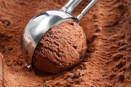 Obraz Chocolate ice cream scoop - fototapety do salonu