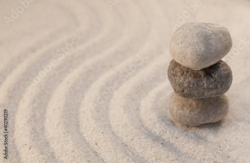 Photo sur Plexiglas Zen pierres a sable méditation galets zen superposés