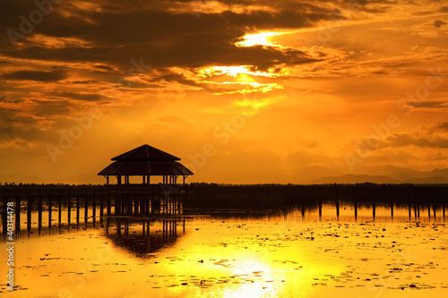 Foto op Plexiglas Crimson Lotus Lake is a tourist place at sunset. Thailand.