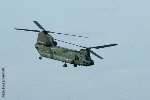 Tuinposter Helicopter Chinook helicopter in flight
