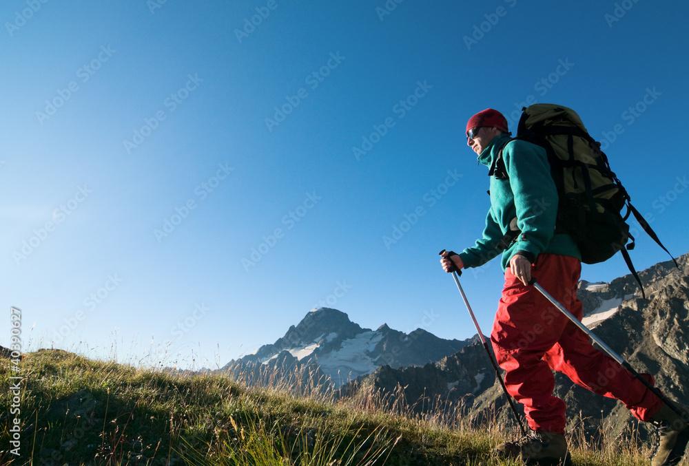 Fototapety, obrazy: man hiking
