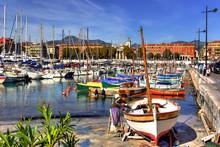 Peintre De Bateaux Dans Le Port De Nice (FR)