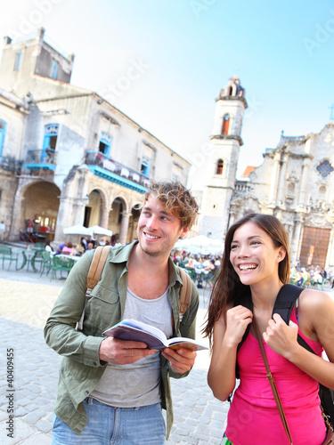 Foto  Touristenpaare reisen