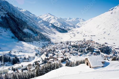 Foto-Leinwand ohne Rahmen - Andermatt in winter (von Peter Wey)
