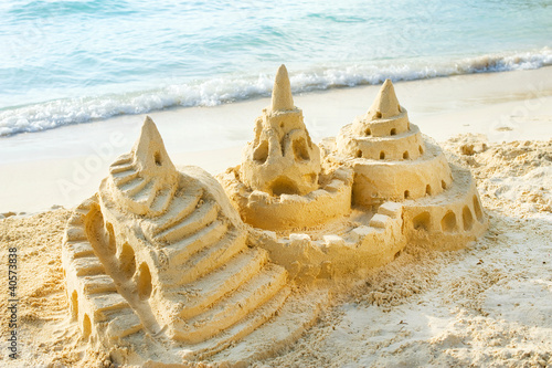 Foto-Leinwand - Sand Castle on the Beach