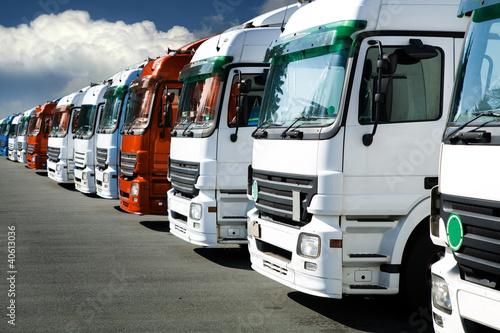 Trucks #40613036