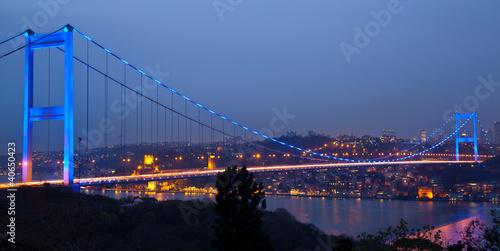 Fotografia Fatih Sultan Mehmet Bridge at the night 2