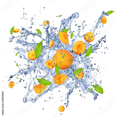 Spoed Foto op Canvas Opspattend water Apricots pieces in water splash, isolated on white background