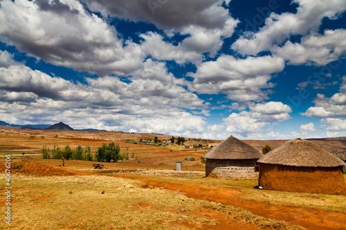 Poster Afrique du Sud Village in a valley in africa