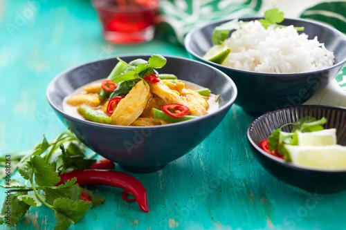 Foto  Hähnchencurry mit Reis