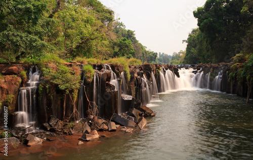 wodospad-na-poludnie-od-laosu