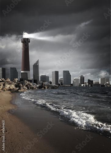 latarnia-morska-z-wiazka-swiatla